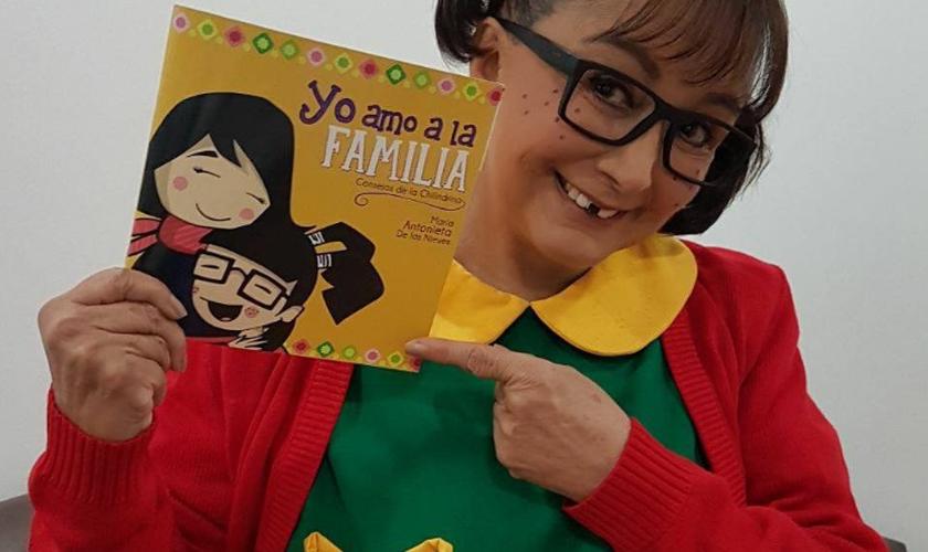 O livro contém uma série de conversas acompanhadas de imagens e caricaturas de Chiquinha. (Foto: Reprodução).