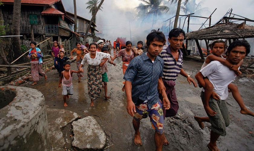 Milhares de cristãos já foram mortos e mulheres - até mesmo as grávidas - têm sido estupradas no povoado cristão de Kachin. (Foto: Accredited Times)