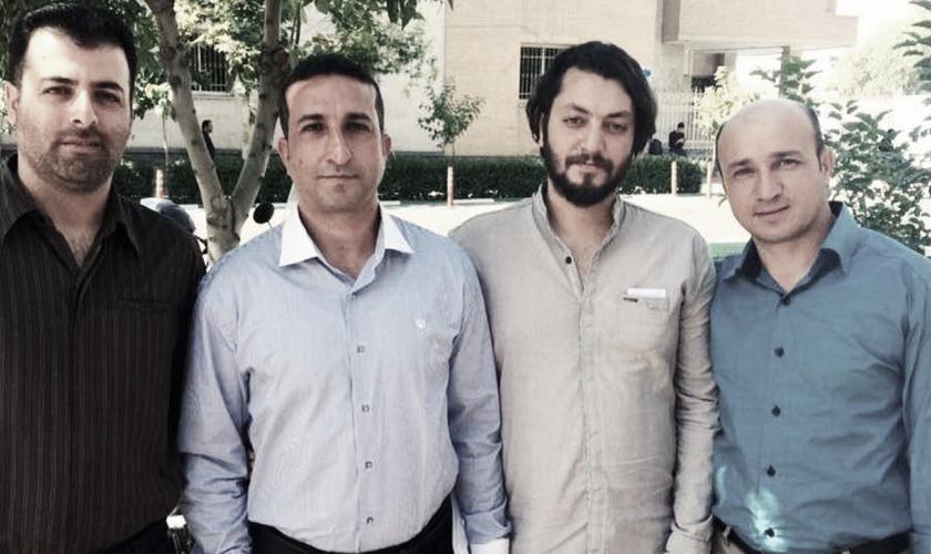 Da esquerda para direita: Saheb Fadaie, Youcef Nadarkhani, Yasser Mossayebzadeh e Mohammad Reza Omidi. (Foto: Reprodução).