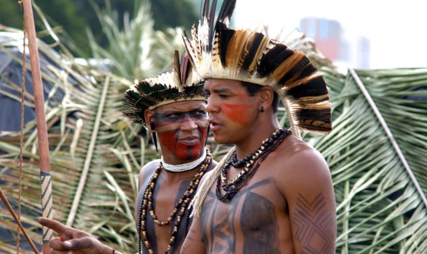 Os índios pataxós são conhecidos por manter suas tradições culturais ao máximo, dificultando o acesso do Evangelho. (Foto: Valter Campanato/ABr).