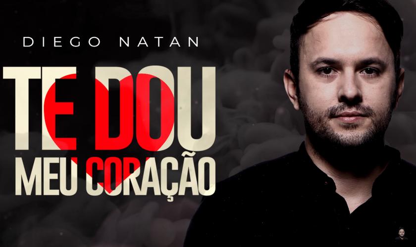 """Diego Natan presenteou sua esposa, com o single """"Te Dou Meu Coração"""". (Foto: Reprodução)."""