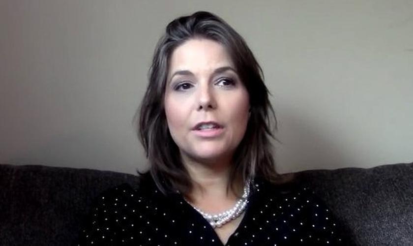 Após se converter ao Evangelho, Beth Eckert criou um canal no Youtube para compartilhar seu testemunho. (Imagem: Youtube)