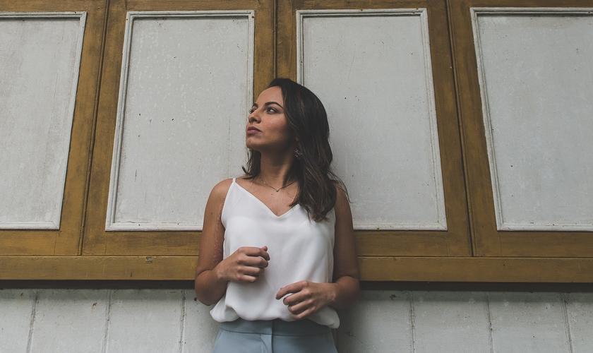 Phatrícia Carvalho assinou com a Nova Fase Distribuição em São Paulo, onde está produzindo novas canções. (Foto: Divulgação).