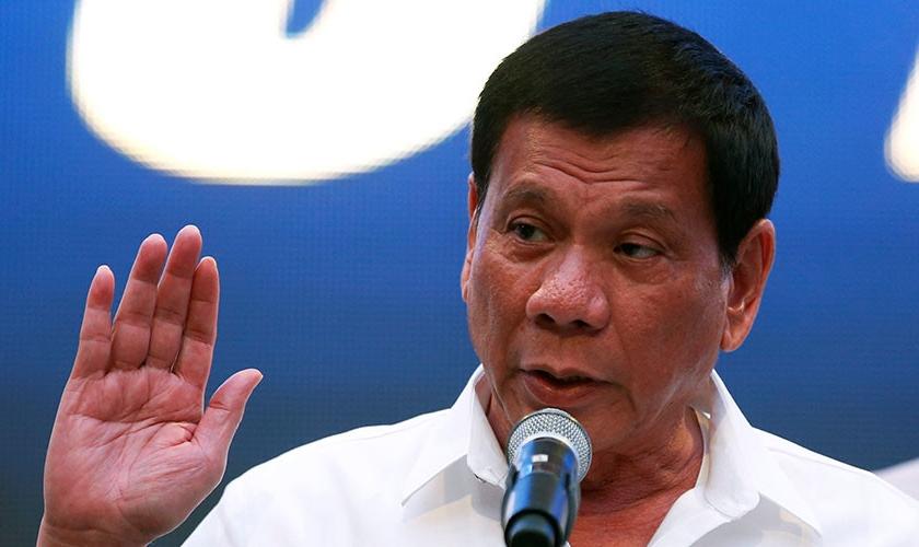 Rodrigo Duterte é presidente das Filipinas e tem blasfemado contra Deus. (Foto: Beyond Deadlines)
