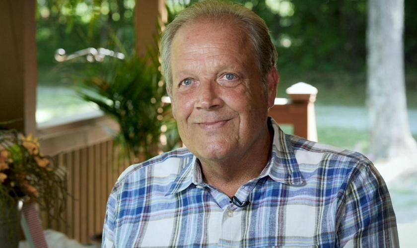 Aos 55 anos, Joe descobriu que tinha um câncer de estágio quatro. (Foto: Reprodução)