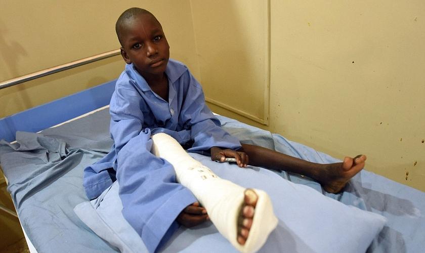 Criança atendida pelo Comitê Internacional da Cruz Vermelha após ataques do Boko Haram na Nigéria. (Foto: AFP/Getty Images)