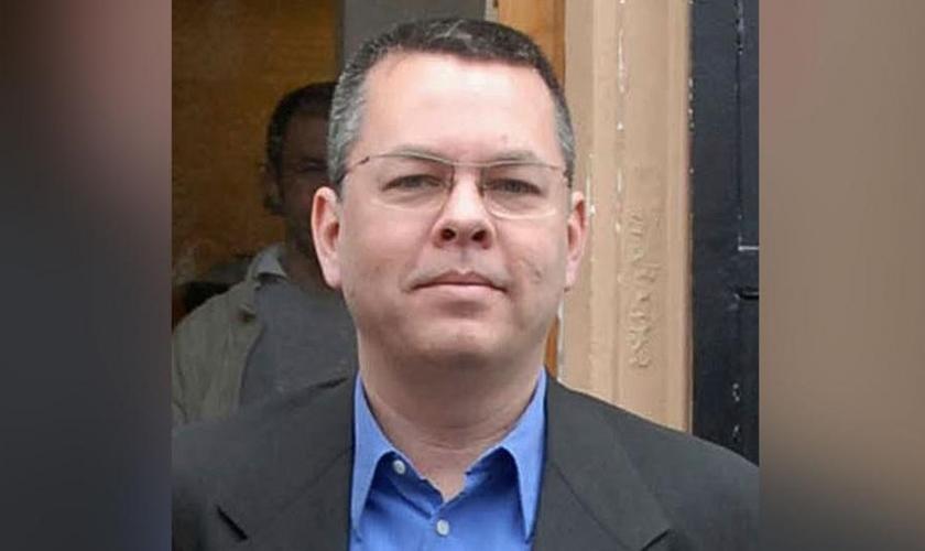 Pastor Andrew Brunson pode ser condenado a 15 anos de prisão na Turquia, mas a concessão de sua prisão domiciliar reacendeu a esperança de um julgamento mais justo. (Foto: CBN News)