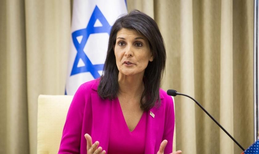 Nikki Haley é embaixadora dos EUA na ONU e uma grande defensora de Israel. (Foto: thejewishlink.com)