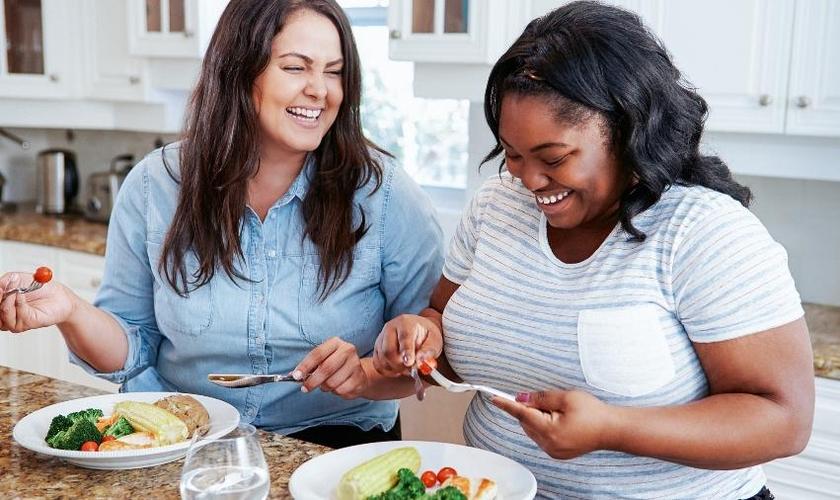 Estudo mostra que pacientes que têm obesidade metabólica saudável não têm aumento na taxa de mortalidade. (Foto: iStock)