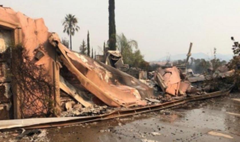 Casa no condomínio de Judah e Christal, destruída pelo incêndio. (Foto: Arquivo Pessoal)
