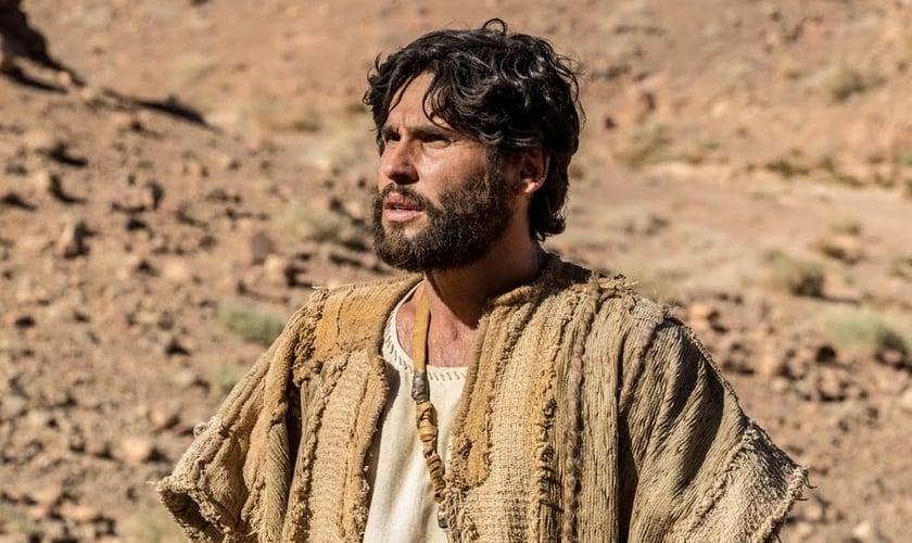 O ator Dudu Azevedo interpreta o Filho de Deus na novela Jesus. (Foto: Divulgação/Record TV)