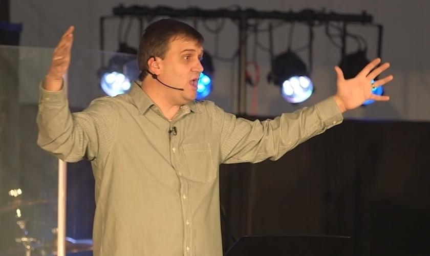 Atualmente, Scott Blanchard lidera a Igreja Lakepoint, em Detroit e também trabalha como implantador de igrejas em sua região. (Imagem: Vimeo)