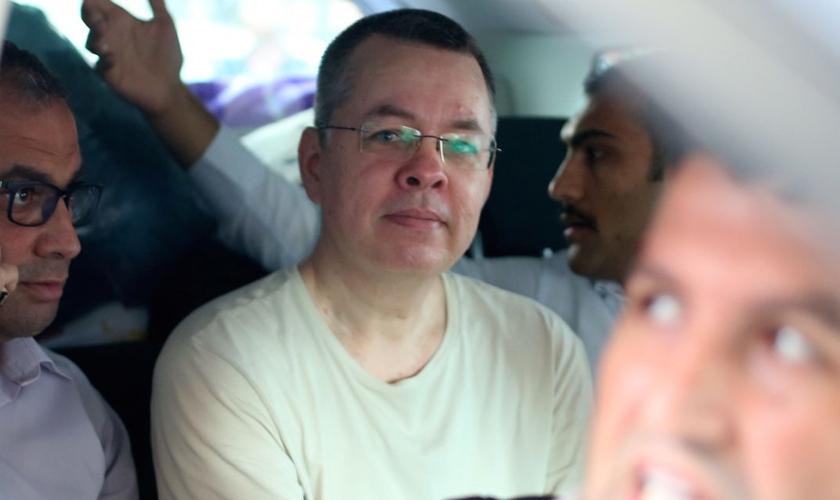 """Pastor Andrew Brunson está sendo mantido em prisão domiciliar na Turquia, devido a falsas acusações de """"terrorismo"""". (Foto: Reuters)"""