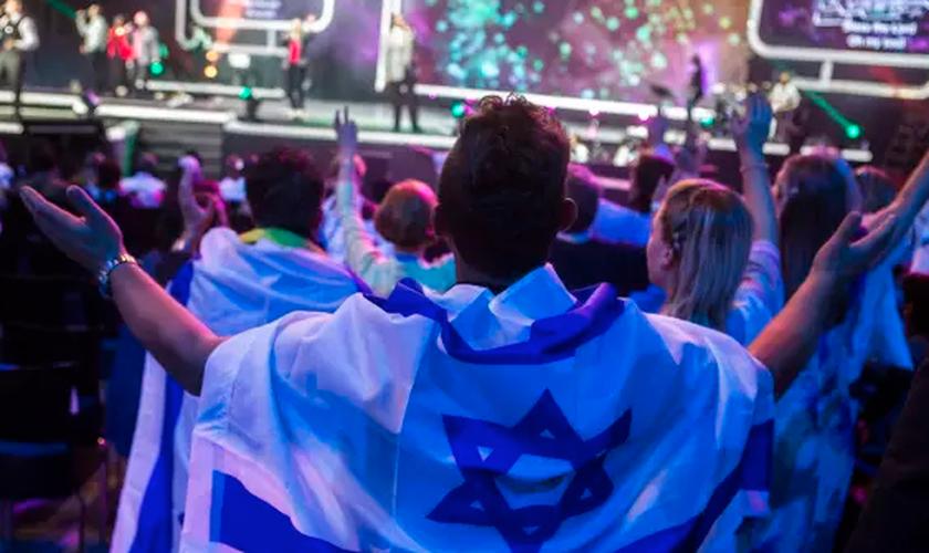 Encontro de oração em Jerusalém organizado pela Embaixada Cristã Internacional, em 2015. (Foto: Olivier Fitoussi)