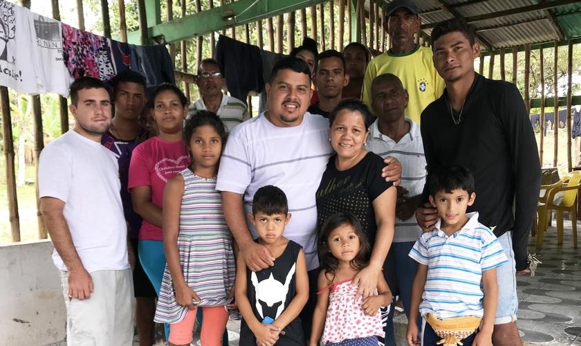 Resultado de imagem para foto pastor com venezuelanos