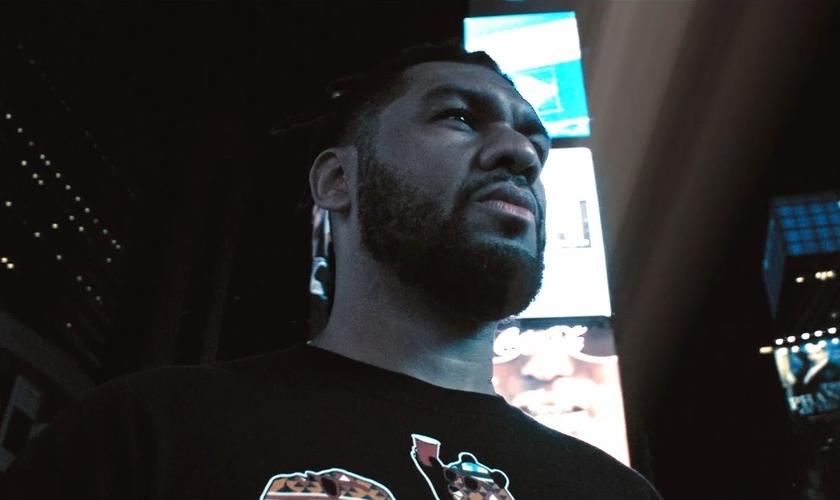 O clipe foi gravado em outubro de 2017 nas ruas de Nova York. (Foto: Divulgação).