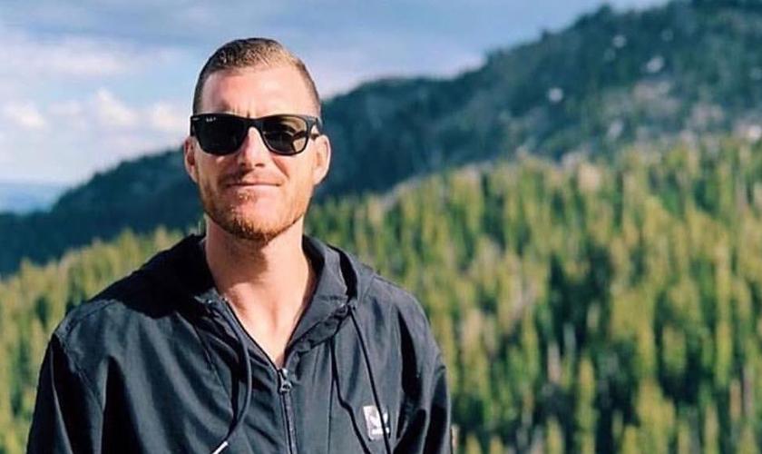 O pastor Andrew Stoecklein tirou a própria vida após lutar contra depressão. (Foto: Reprodução).