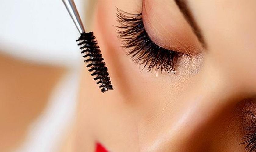 As máscaras de cílios à prova d'água são geralmente difíceis de remover. (Foto: ThinkStock)