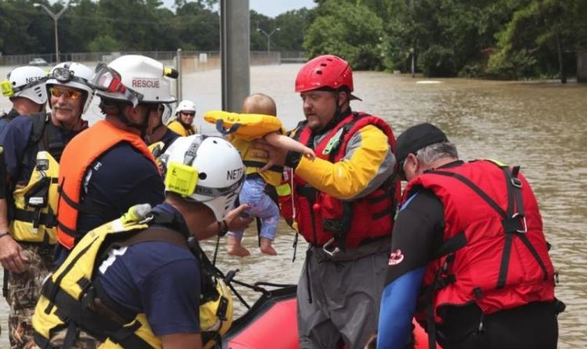 Furacão Florence tem causado devastação por onde passa, nos EUA. (Foto: Reprodução)