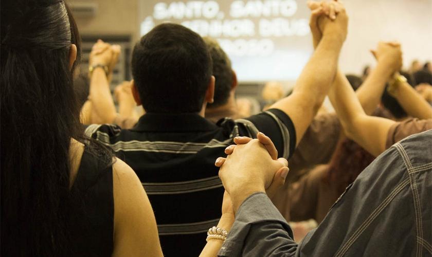 Mike Leak diz que se há ódio entre os cristãos é preciso lembrar do quanto Cristo perdoou. (Foto: Reprodução).