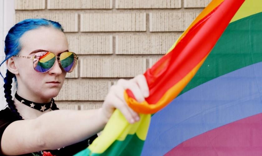 Mais da metade das adolescentes que decidiram se tornar homens já tentaram suicídio depois da transição. (Foto: Getty Images)