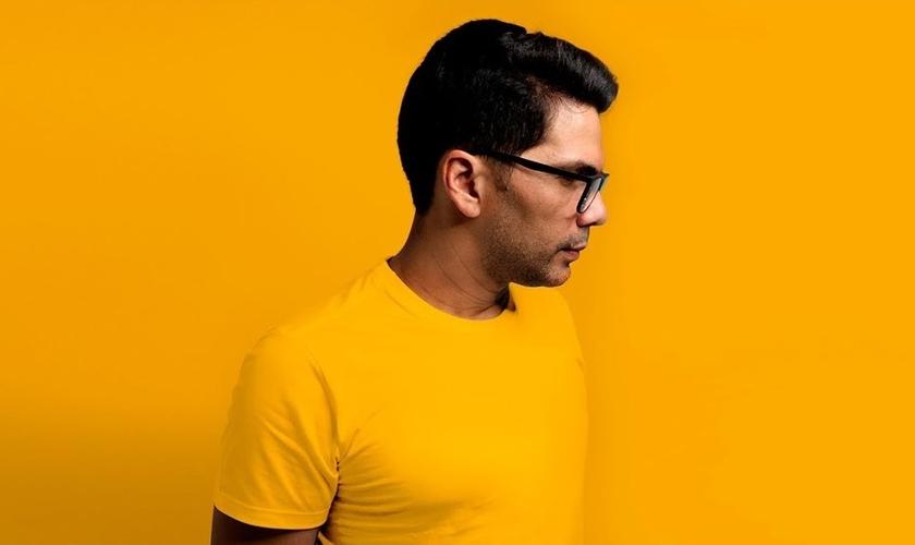 O single faz parte das canções independentes do cantor. (Foto: Reprodução)