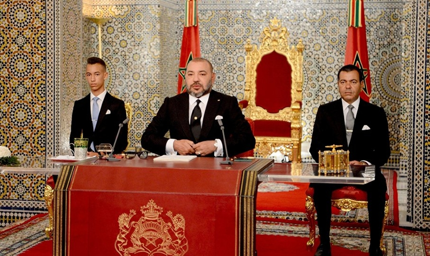 O rei do Marrocos, Mohammed VI, decretou ensino sobre o Holocausto nas escolas. (Foto: AP Photo/Moroccan Royal Palace)