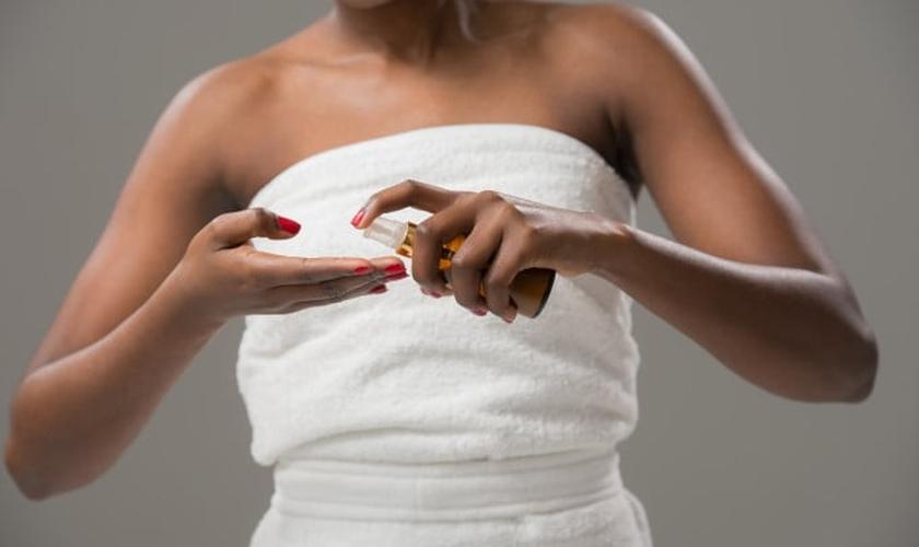 Os óleos são a nova mania em matéria de cuidados com a pele. (Foto: Kirill Kedrinskiy/Thinkstock)