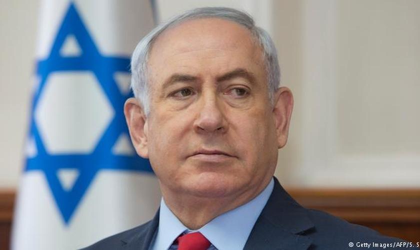 Benjamin Netanyahu é o primeiro-ministro de Israel e deve comparecer à posse de Jair Bolsonaro, no dia 1º de janeiro de 2019. (Foto: DW)