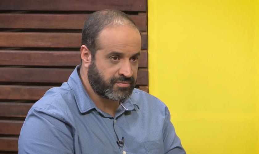 Clélio Monteiro é professor de teologia com especialização em Estudo da Bíblia. (Foto: Reprodução)