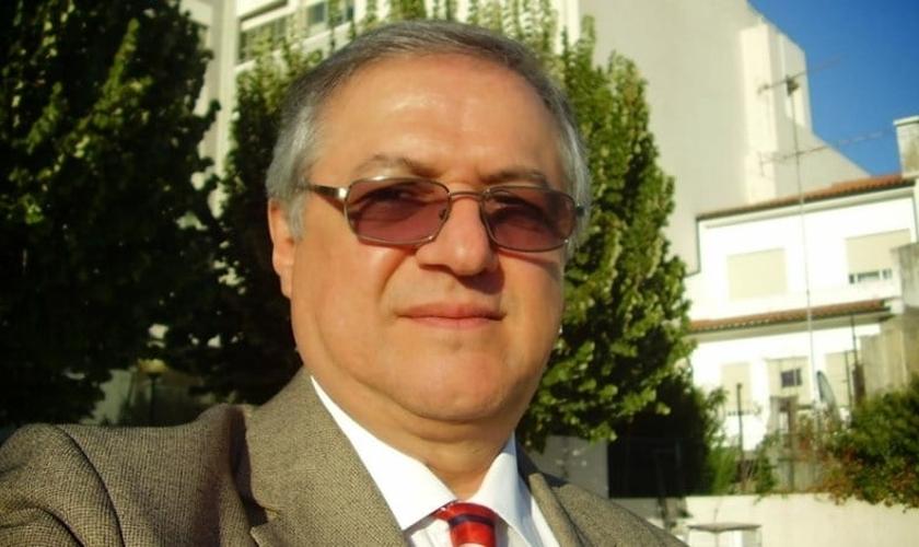 Ricardo Velez Rodriguez é mestre e doutor em Filosofia pela PUC e formado em Teologia pelo Seminario Conciliar de Bogotá. (Foto: Nossa Política)
