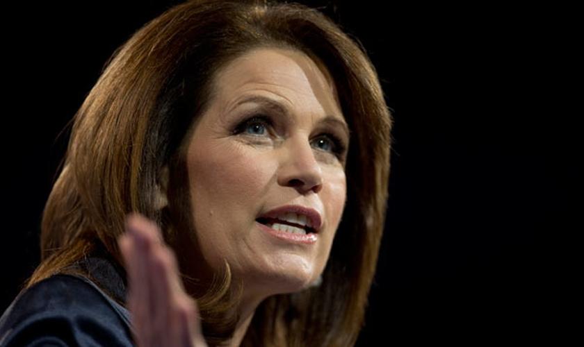 Ex-congressista norte-americana Michele Bachmann, discursando em uma conferência em Maryland, nos EUA. (Foto: Carolyn Kaster/AP)
