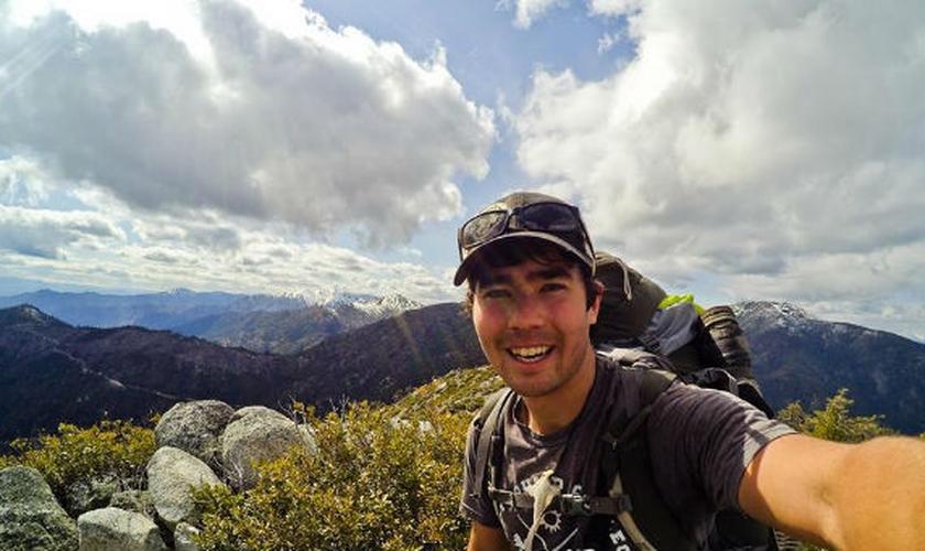 O americano John Chau, de 27 anos, foi à tribo na Ilha de Sentinela do Norte para levar o Evangelho. (Foto: Reprodução/Facebook)