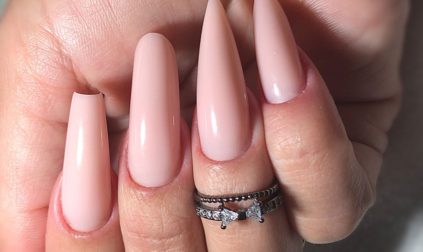 As unhas de gel podem ter os mais diversos formatos. (Foto: Divulgação)