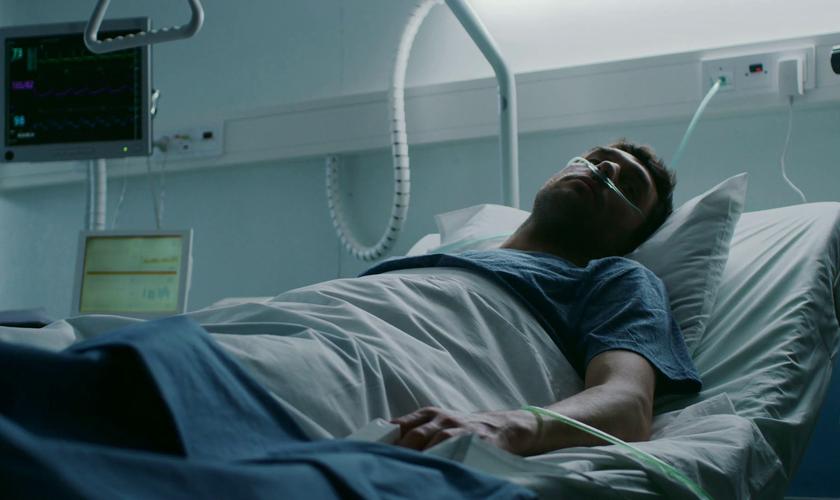 Imagem ilustrativa. Homem internado na ala de cuidados paliativos. (Foto: Video Blocks)