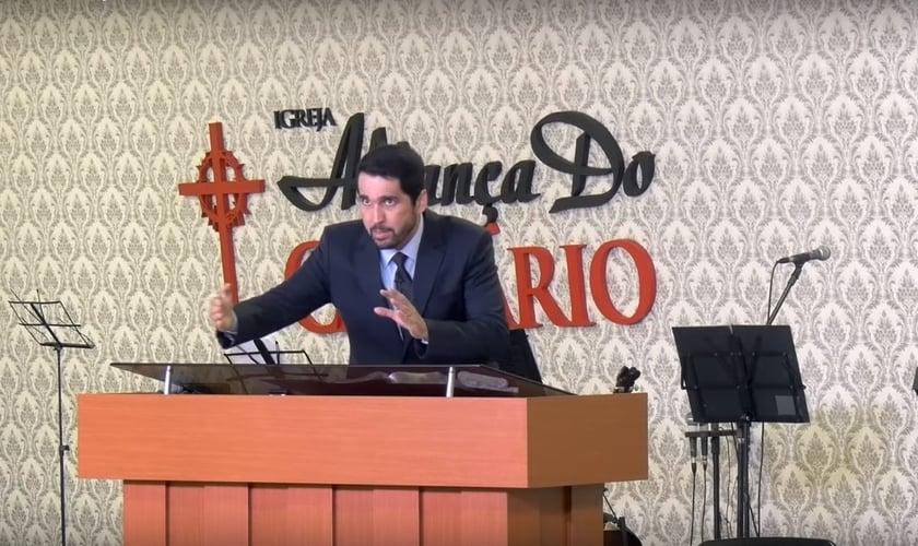 Paulo Júnior é pastor da igreja Aliança do Calvário. (Imagem: Reprodução - Youtube)