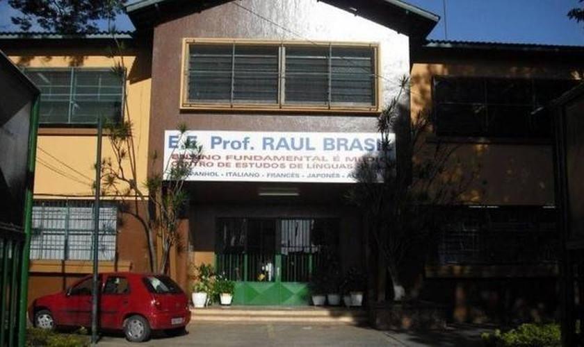 Escola Raul Brasil, em Suzano. (Foto: Facebook / Reprodução)