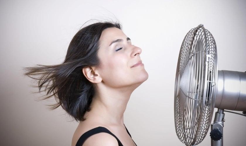 Cerca de 3% das mulheres entram na menopausa antes dos 40 anos de idade. (Foto: Reprodução)