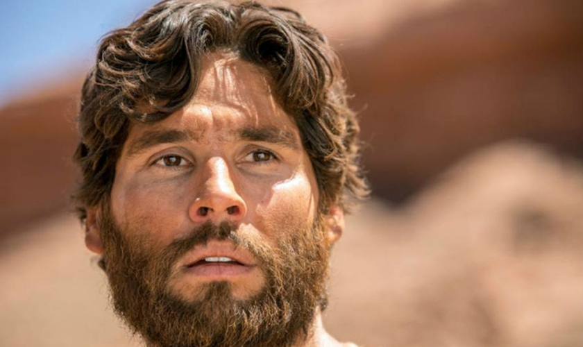 A novela Jesus aprofundou a visão sobre fé do ator Dudu Azevedo. (Foto: Reprodução/Record TV)