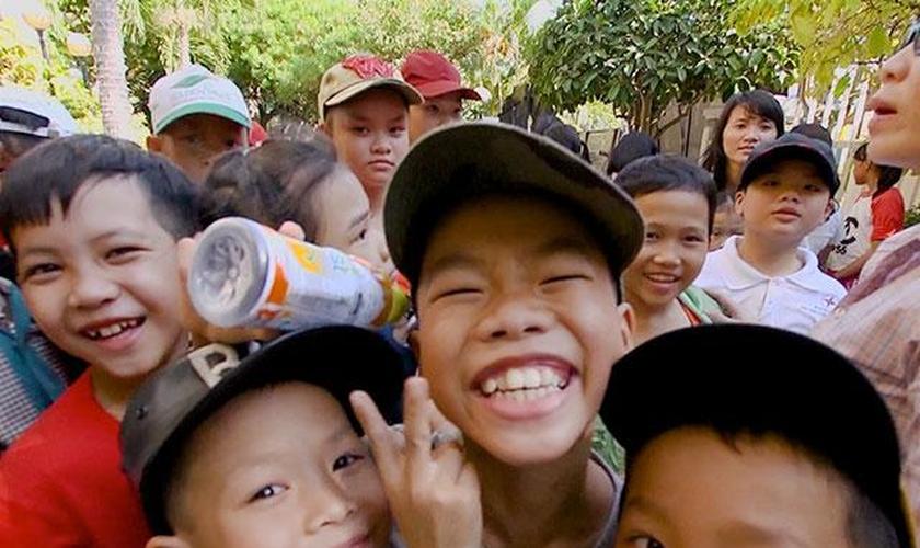 O Superbook tem alcançado muitas crianças vietnamitas por meio das igrejas locais. (Foto: CBN News)