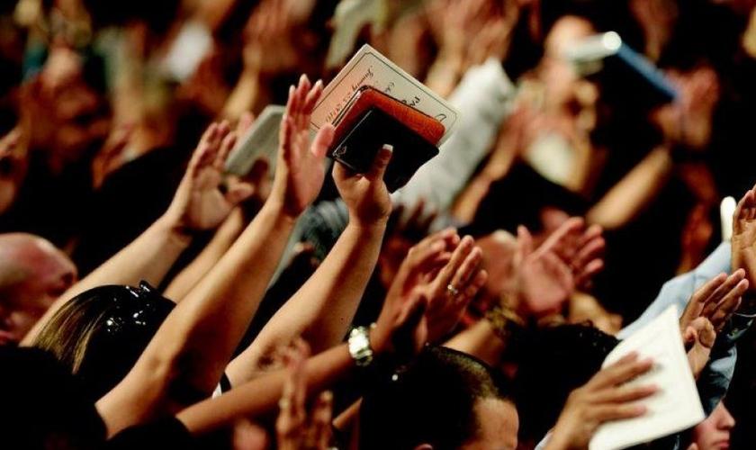 A fé é considerada o aspecto mais importante para grande parte dos brasileiros. (Foto: Reprodução)