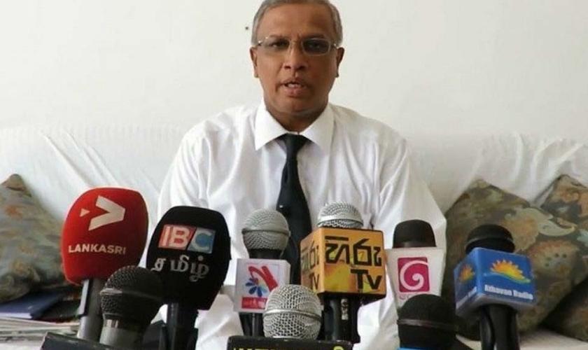 M. Abraham Sumanthiran deu uma poderosa declaração de fé em rede nacional para a imprensa do Sri Lanka. (Foto: Reprodução)
