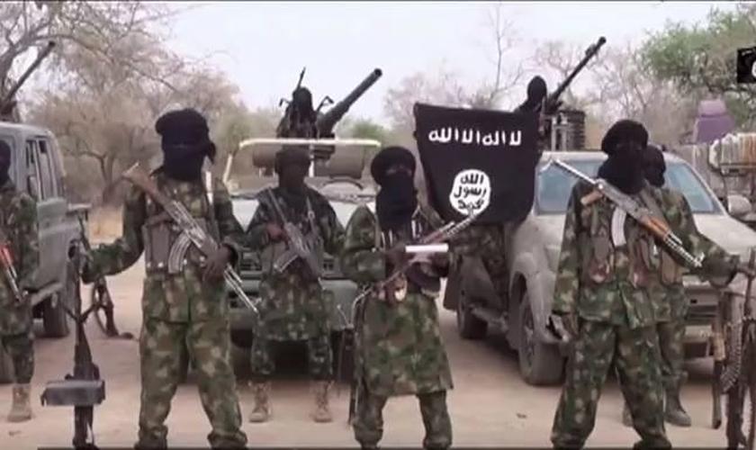 Boko Haram sequestrou um pastor e um grupo de fiéis da igreja 'Living Faith', na Nigéria. (Foto: alwaght.com)