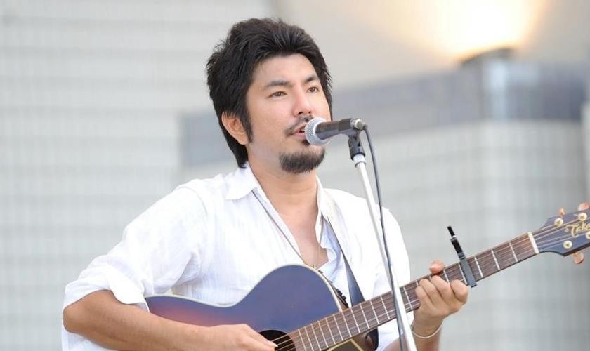 Yokoyama Daisuke é ministro de louvor no Japão. (Foto: Divulgação)