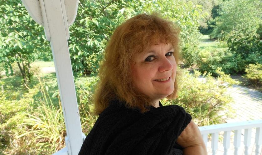 Selah Ally Tower se voltou para Deus após 10 anos envolvida com a bruxaria. (Foto: SA Tower Outreach)
