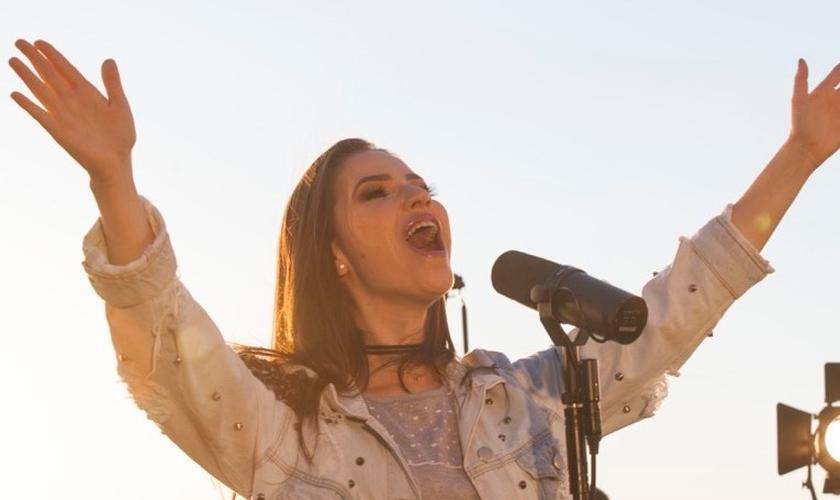 Camila Campos estará no palco principal da Expoevangélica 2019. (Foto: Divulgação)