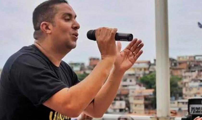 Waguinho estará no palco principal da Expoevangélica. (Foto: Youtube / Reprodução)