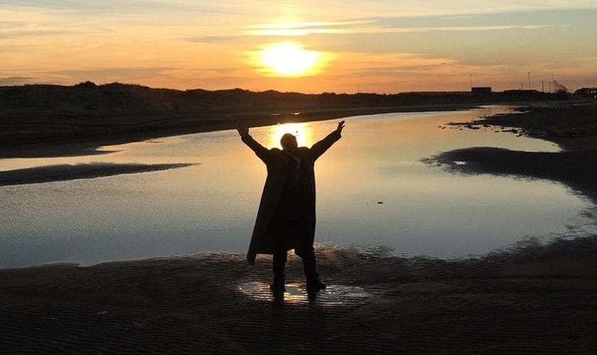 Joel Engel conta sobre o início de seu ministério de batalha espiritual. (Foto: Reprodução/Joel Engel)