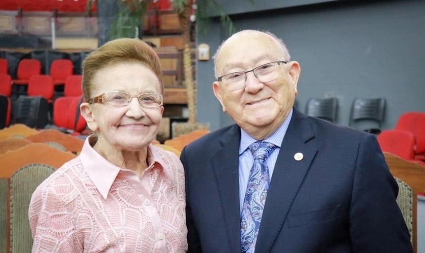 Irmã Wanda e pastor José Wellington completaram 66 anos de casados no dia 17 de abril. (Foto: Facebook)