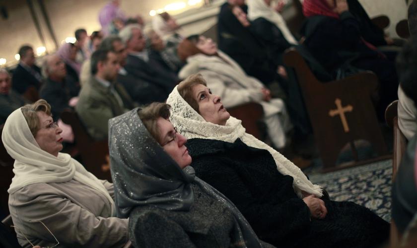 Igrejas sofrem perseguição no Irã. (Foto: Reuters)
